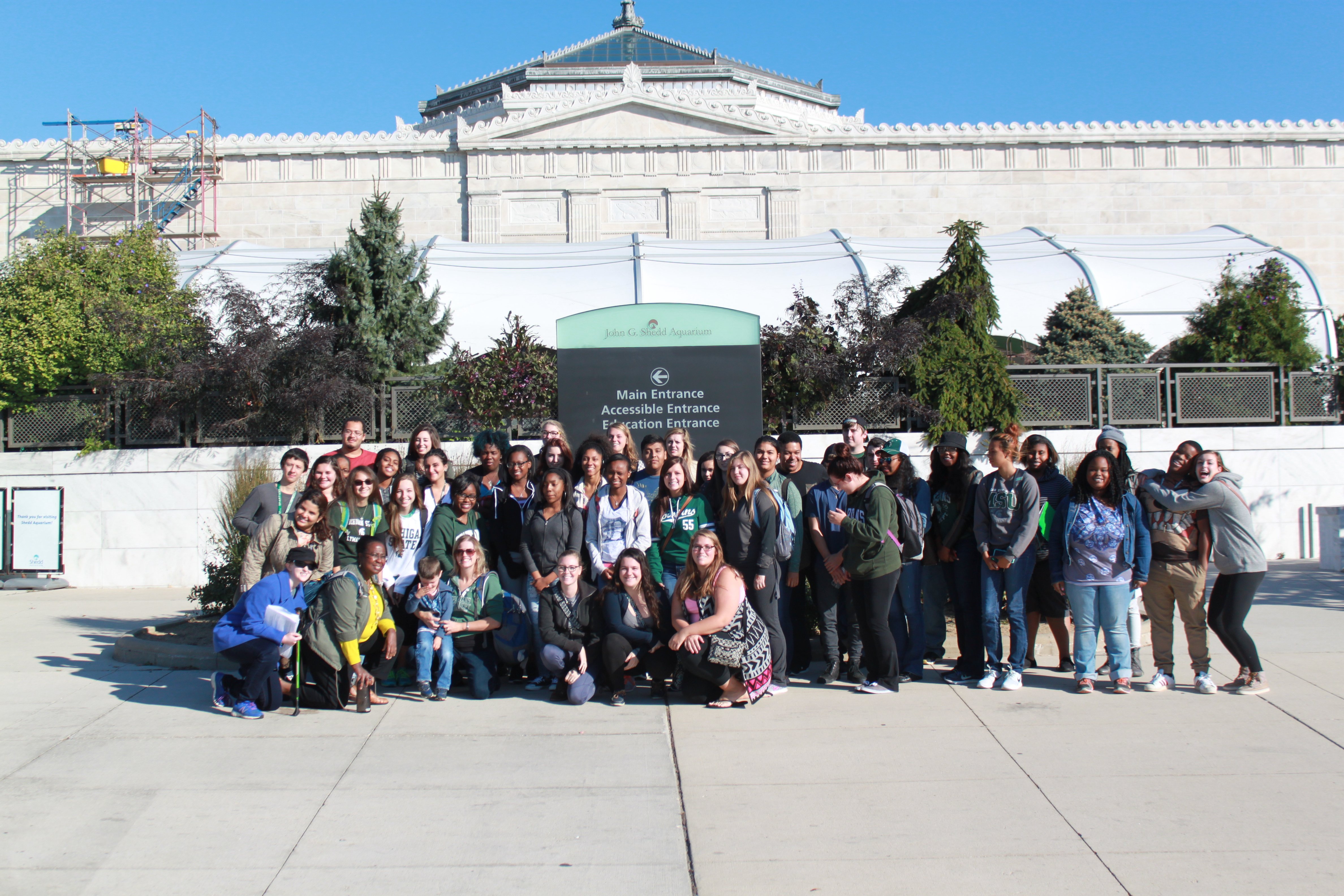 Students and faculty with the INQUIRE program at the Field Museum for an off-campus learning trip